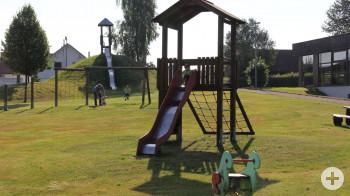 Bild des Spielplatzes an der Halle in Winzeln