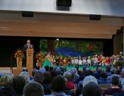 Bild von der Begrüßung durch Bürgermeister Tjaden bei der Halleneinweihung in Fluorn 2016